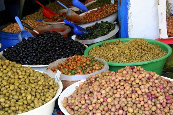 Riesige Auswahl an Oliven in Marrakesch