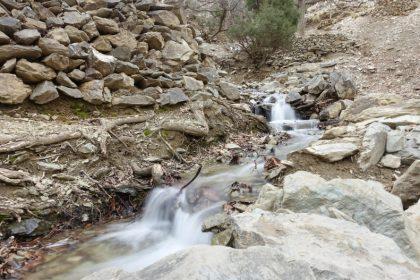 Bach im Atlasgebirge