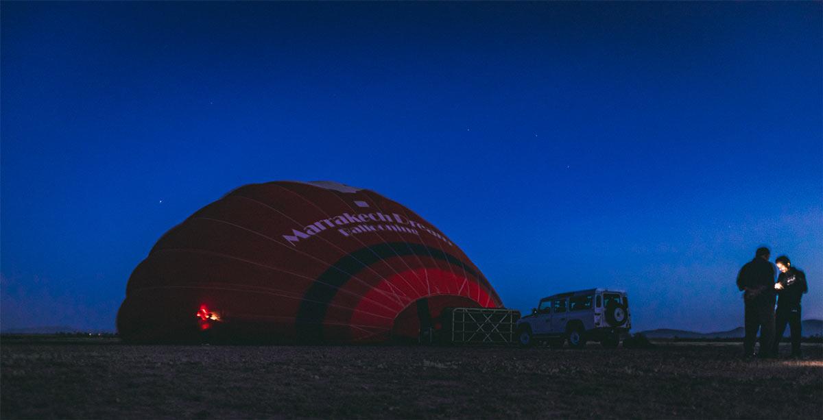 Aufbau des Ballons in der Nähe von Marrakesch