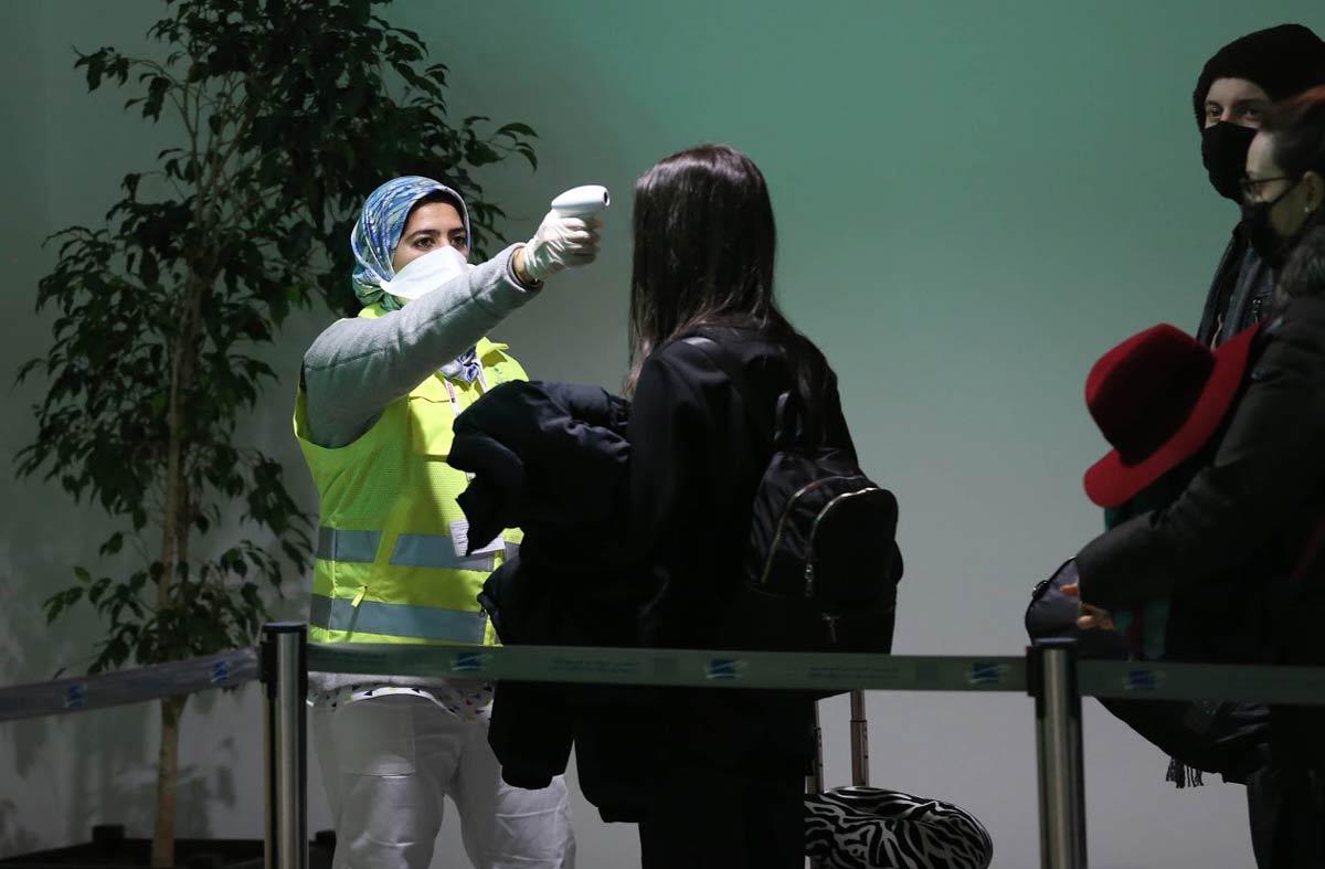 Kontrolle am Flughafen in Marokko wegen Coronavirus