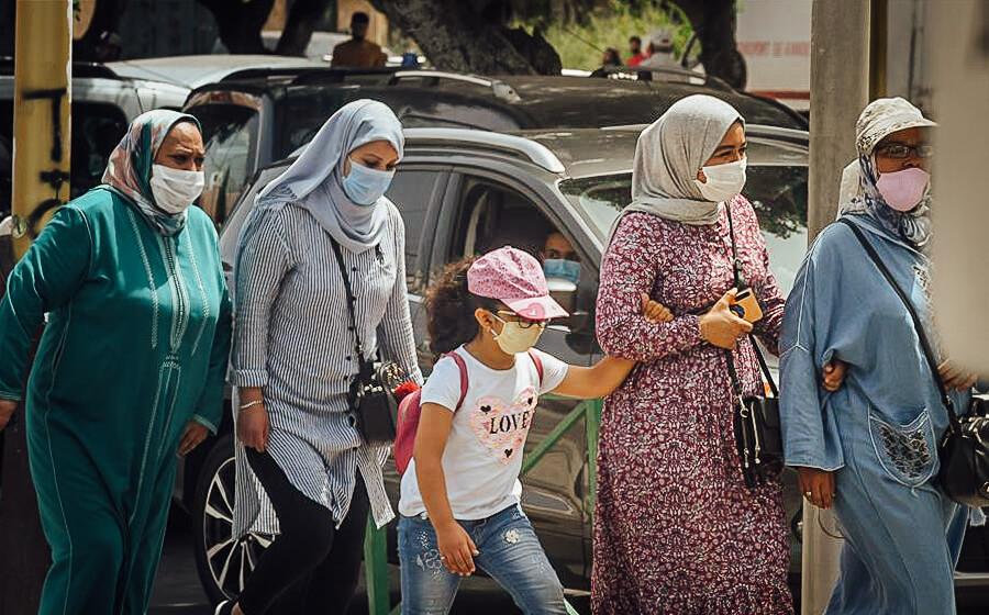 Frauen mit Masken in Marokko