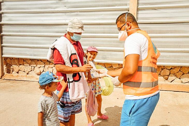 Verteilung von Masken in Rabat