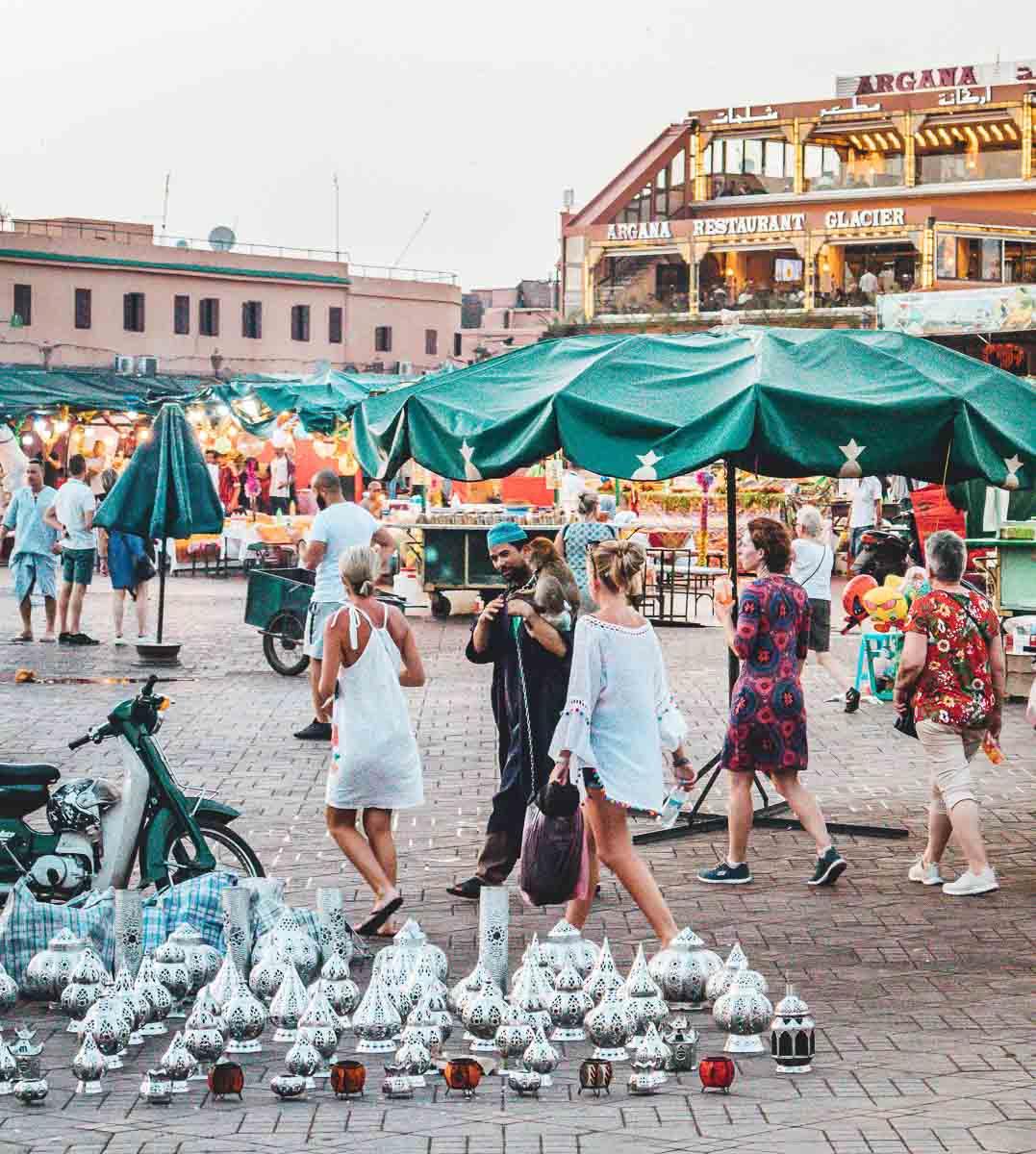 Marokko Kleidung Touristen Frauen