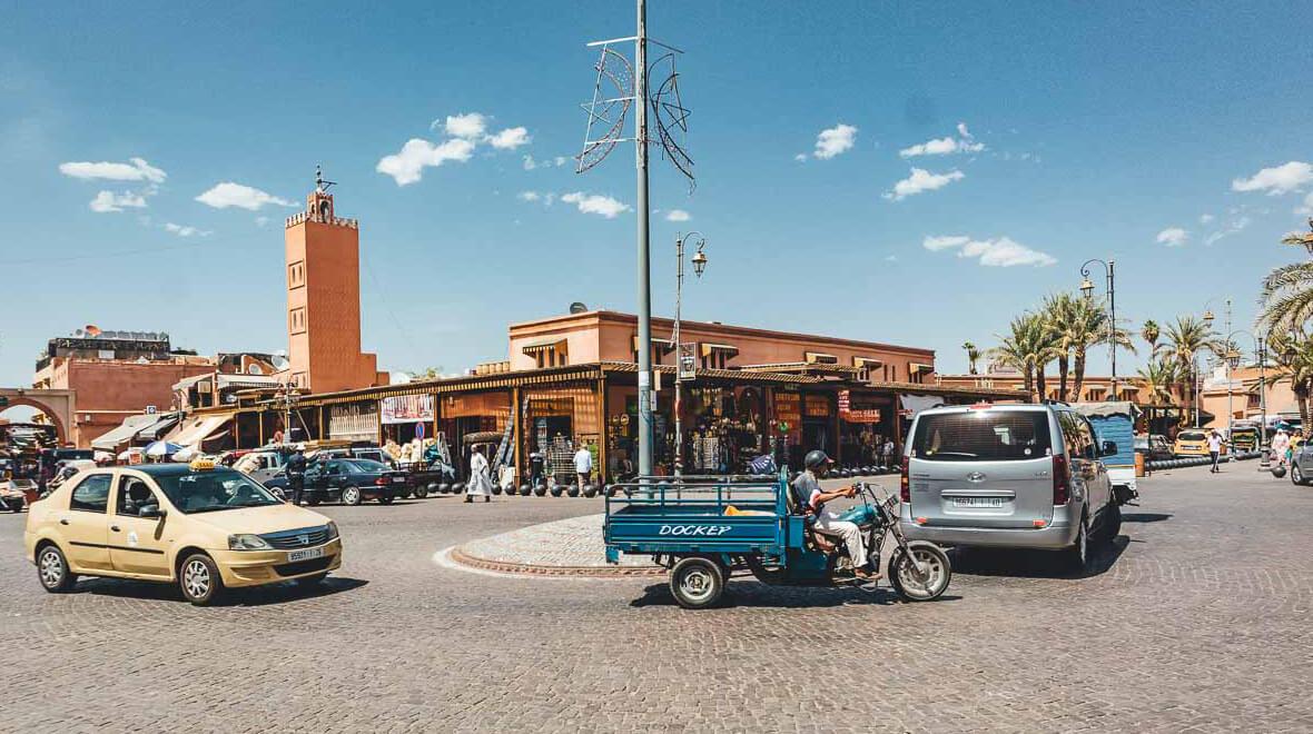 Autos und Verkehr in Marrakesch